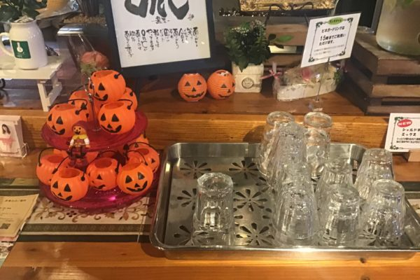 婚活サポートが得意な結婚カウンセラーお勧めお洒落なカフェで「ランチ&カラー診断」10月11日開催